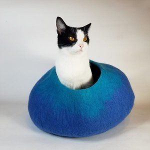 Blue and Turquoise Cat Cave | Pet Bed